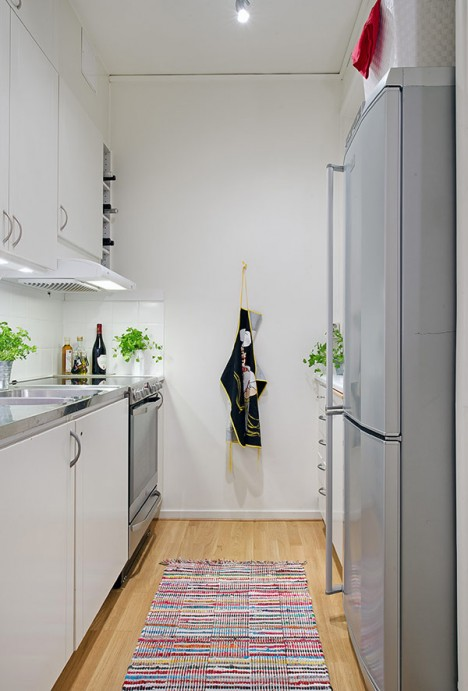 bucatarie apartament cu 2 camere