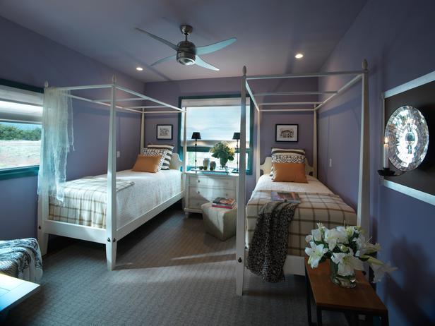 dormitor cu doua paturi