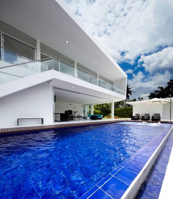 design minimalist casa cu piscina