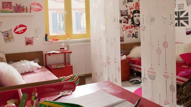 camera cu draperii