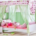 patut-baldachin-copii-roz