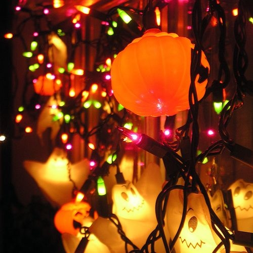 43569-Halloween-Lights-And-Ornaments