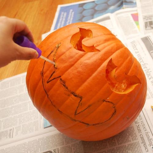 670px-Make-a-Halloween-Pumpkin-Step-8
