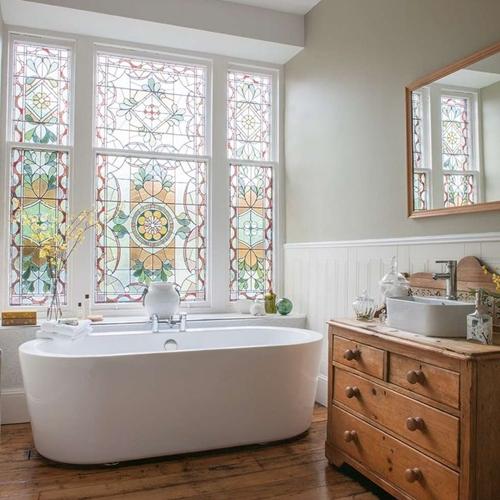 fereastra vitralii baie