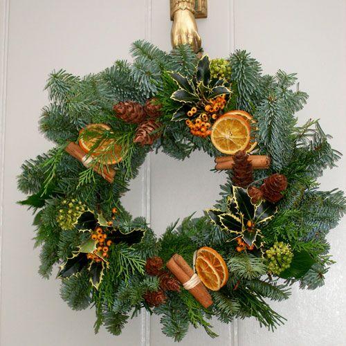coronita-de-brad-ornament-craciun-handmade-www.homedecomag.ro
