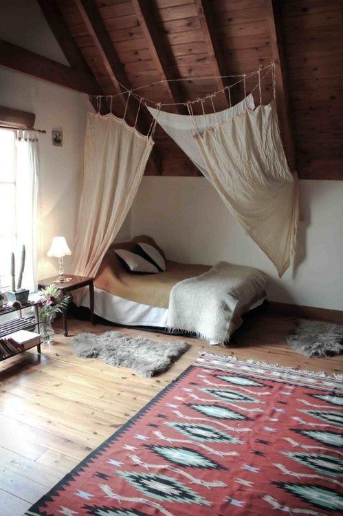 model dormitor pat lipit de perete